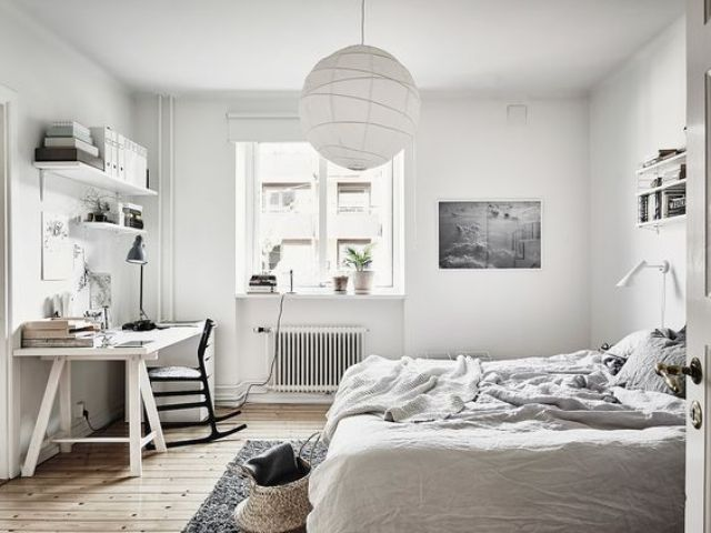 24-neutral-bedroom-with-a-white-desk-and-a-black-chair-for-a-contrast