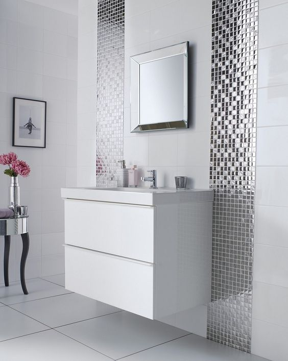 27-mirror-mosaic-tiles-lines-along-the-vanity