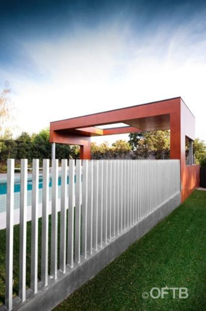 28-freestanding-wooden-posts-for-a-pool-fence
