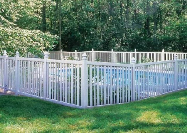 30-white-picket-fence-around-a-pool