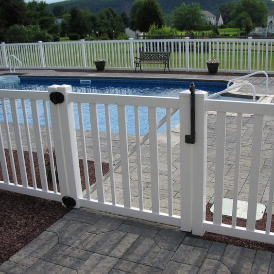 31-white-wooden-fence-for-a-pool