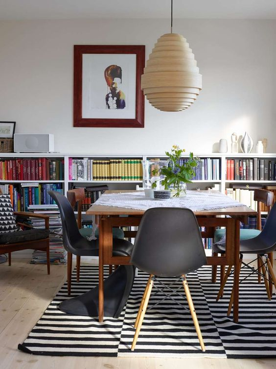 Stockholm-rug-in-a-modern-dining-area