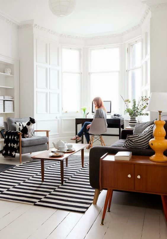 mid-century-living-room-with-Stockholm-rug