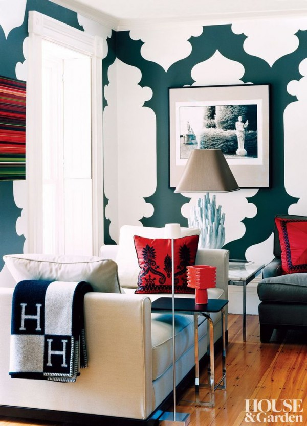 01-Here-the-dark-green-and-bright-red-look-great-together.-White-space-between-patterns-balances-it-out-and-lightens-up-the-room-which-would-be-very-dark-if-it-was-painted-green-entirely.
