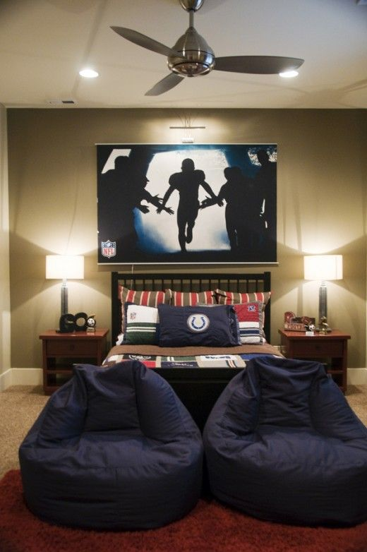 02-sport-inspired-bedroom-with-an-oversized-artwork-above-the-bed