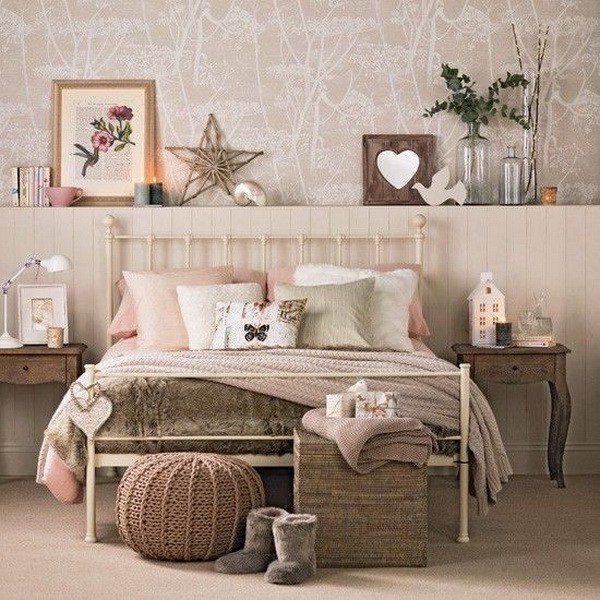 04-caramel-vanilla-and-blush-room-a-comfy-storage-rack-behind-the-bed