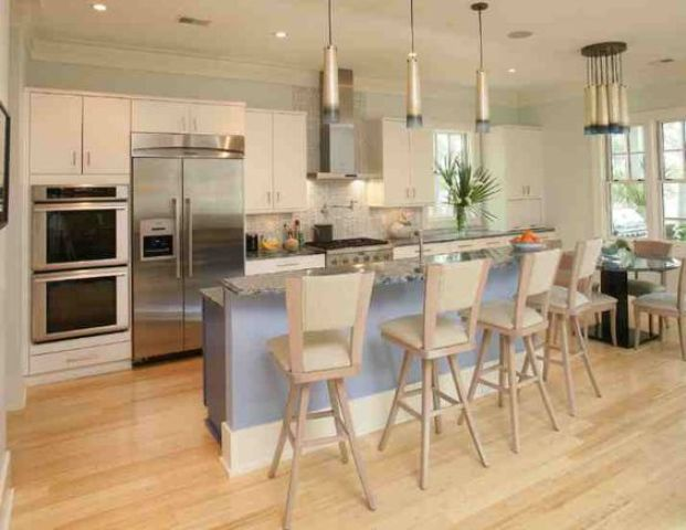 05-light-flooring-that-echoes-with-lamps-and-cabinets