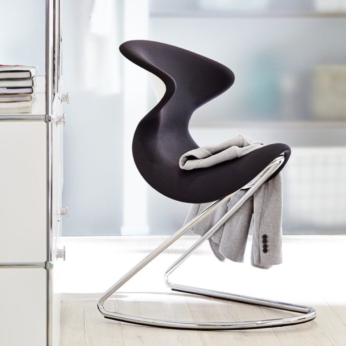 07-This-chair-can-perfectly-work-not-only-in-home-space-but-also-in-modern-offices