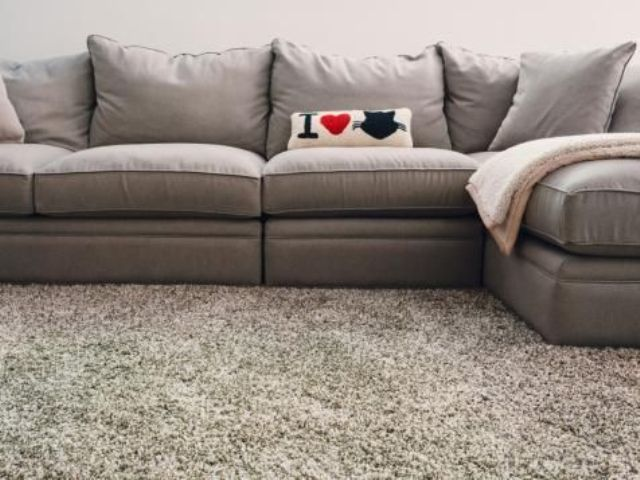 07-fluffy-flooring-to-make-your-living-space-warmer
