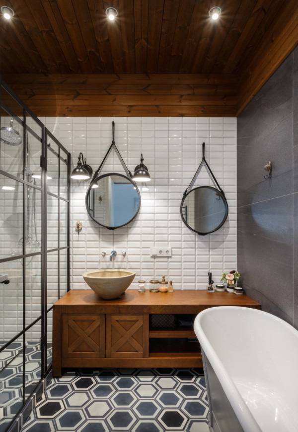 08-The-first-bathroom-is-decorated-with-an-industrial-feel