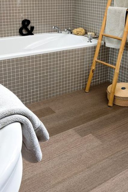 09-cork-floors-in-wood-slate-shapes-for-a-bathroom
