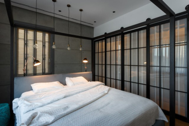 10-Behind-the-sliding-glass-doors-there-are-two-closets-hidden