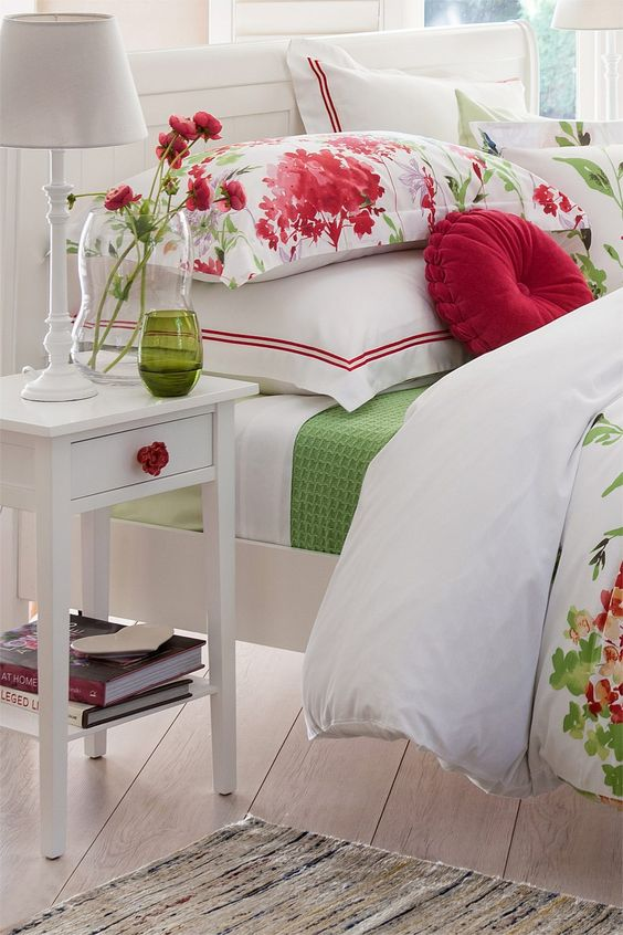 10-White-bedroom-is-dotted-with-touches-of-red-and-green
