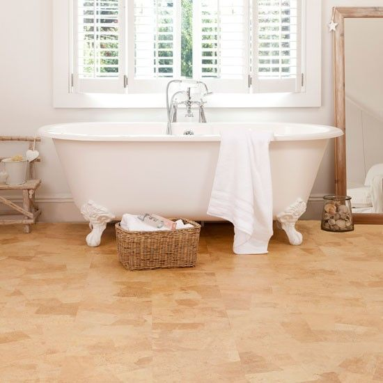 12-amber-cork-flooring-to-make-the-bathroom-cozier