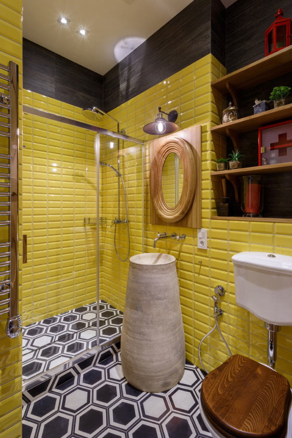 14-The-second-bathroom-strikes-with-sunny-yellow-and-wooden-decorations