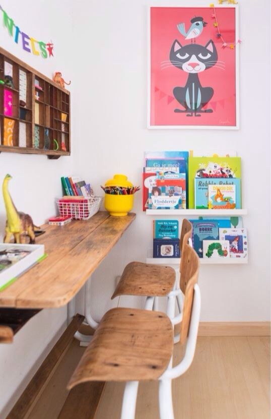 15-homework-station-with-bookshelves-and-a-wall-storage-unit