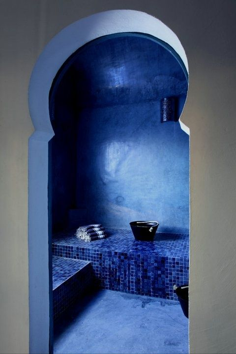 16-traditional-Moroccan-bathroom-in-ice-blue-tile