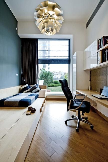 16-wall-mounted-desk-and-shelving-for-a-long-and-narrow-room