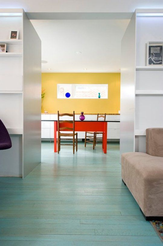 17-aqua-stained-wooden-floors-to-tie-up-two-different-spaces