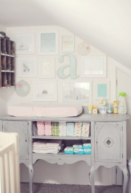 17-grey-shabby-chic-changing-station-with-a-gallery-wall