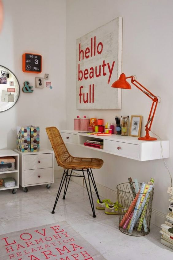 18-wall-mounted-desk-with-drawers-for-small-rooms