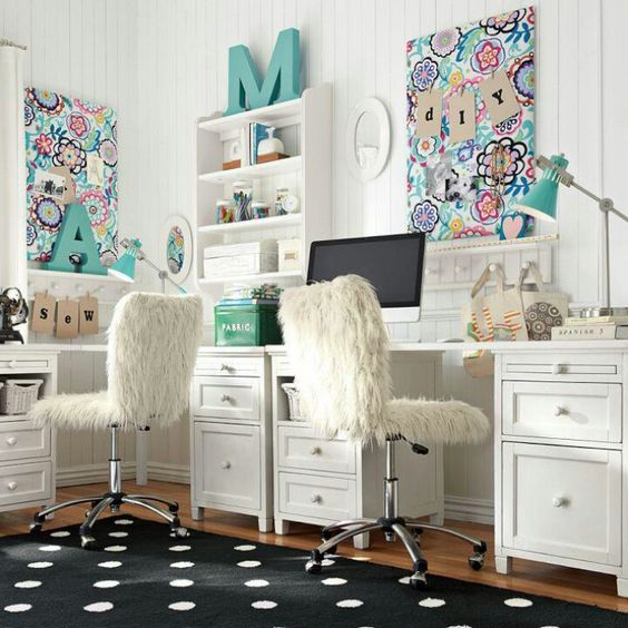 19-comfy-study-nook-for-two-with-white-desks-and-open-shelving