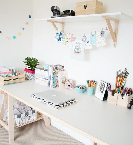 19-pastel-creative-space-with-an-opne-shelf-and-X-leg-desk