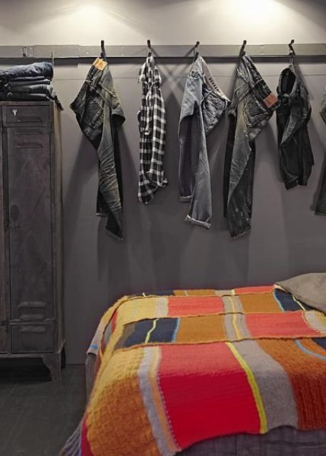 22-wall-mounted-clothes-hooks
