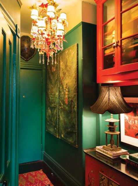 23-Emerald-green-and-red-paint-give-the-entryway-a-moody-feel