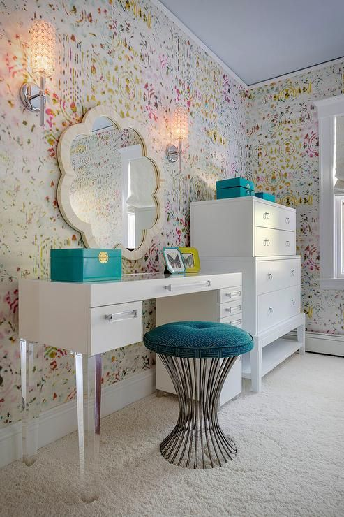 23-white-sleek-desk-that-doubles-as-a-vanity
