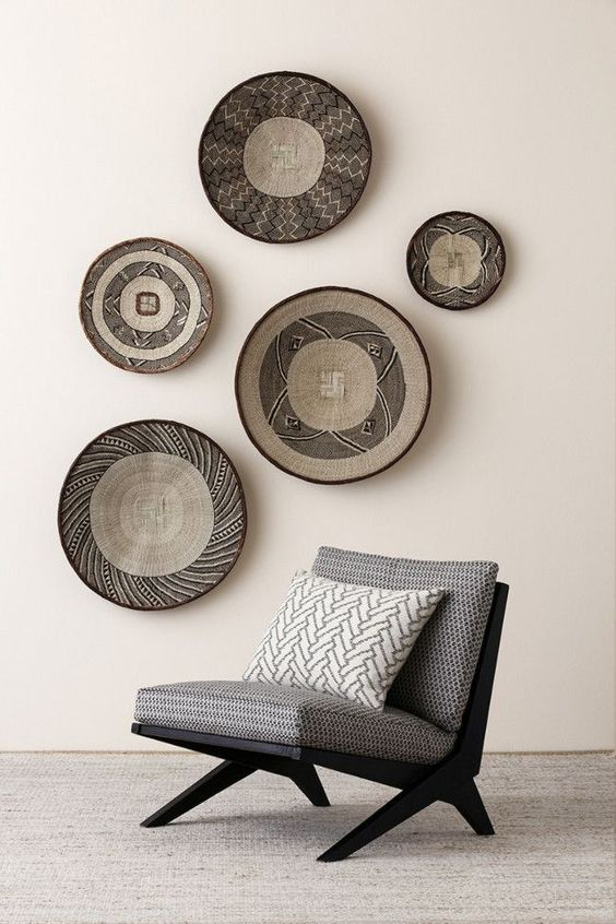24-African-bowls-diplayed-on-the-wall-as-a-bold-decor-feature