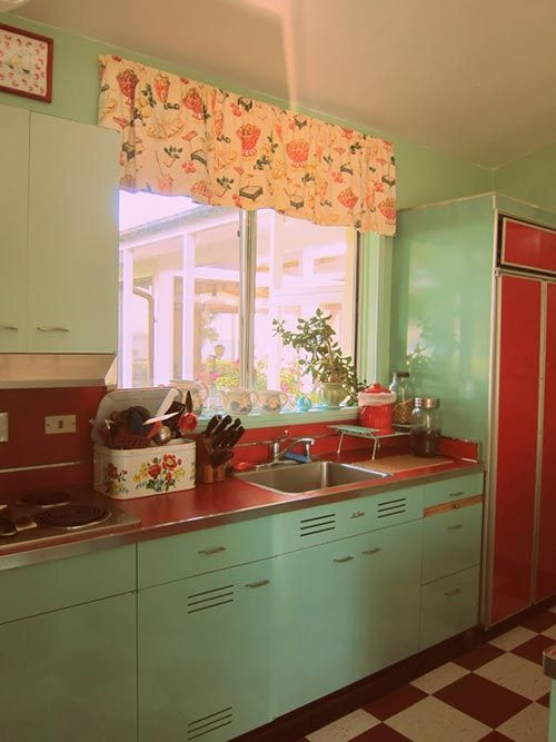 24-Retro-mint-kitchen-with-red-countertops-and-appliances