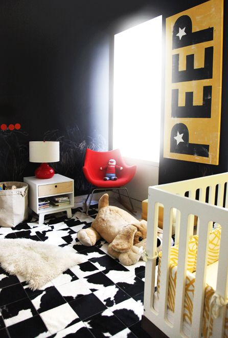 24-black-and-white-tiles-for-decorating-a-black-and-yellow-nursery