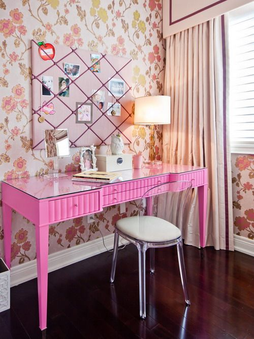 24-princess-like-desk-and-dressing-table-in-one