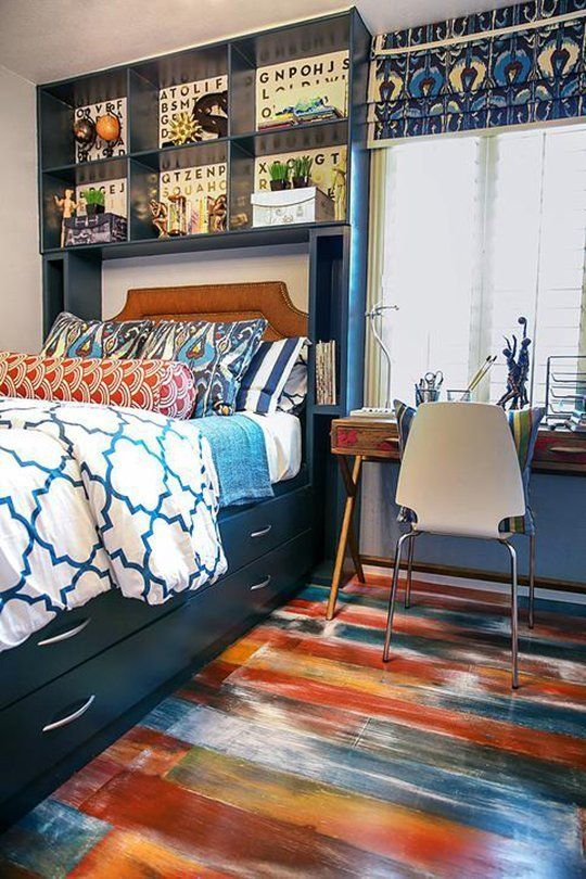 25-colorful-brushtroke-wooden-plank-floors-in-a-boys-room