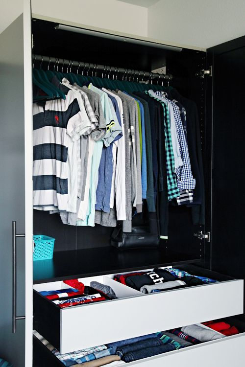 26-functional-wardrobe-with-drawers-and-hangers