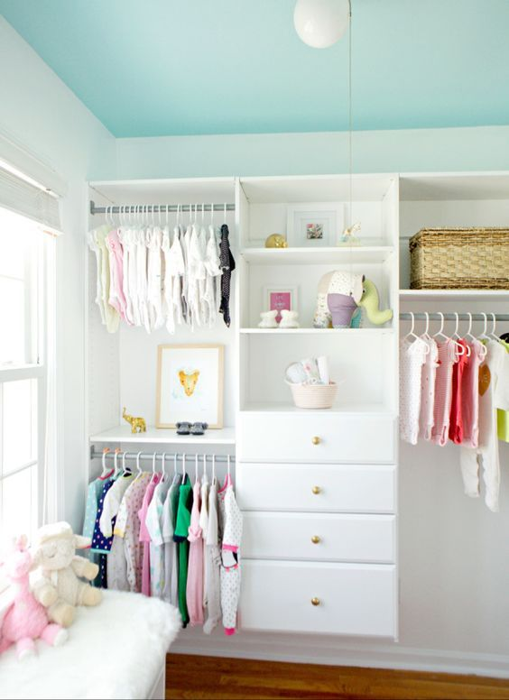 26-open-kids-closet-with-drawers-for-folded-things