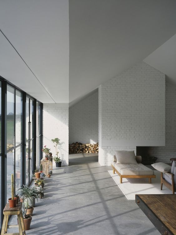 27-very-light-grey-concrete-for-an-all-white-modern-living-room