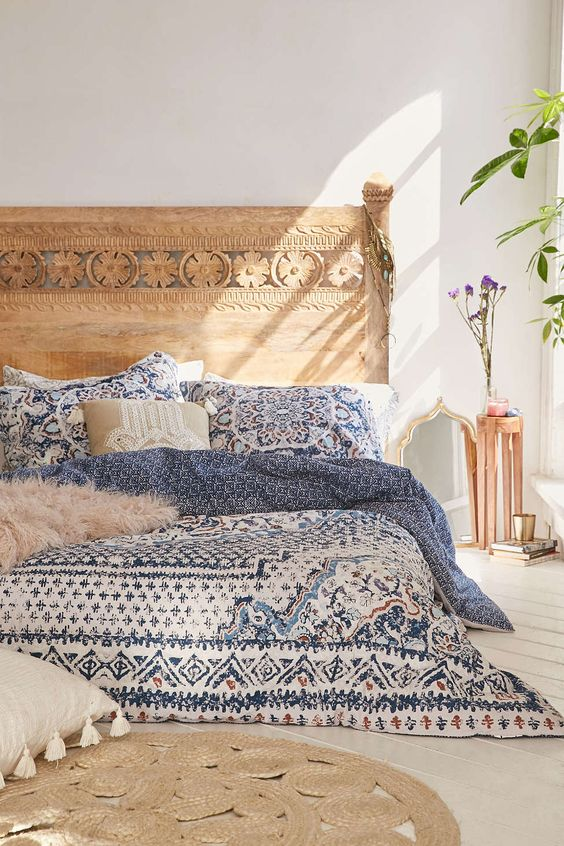 28-blue-bedding-and-a-jute-rug