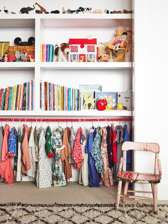 30-bookshelves-and-a-clothes-holder-below