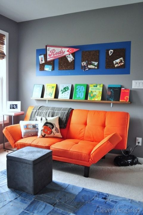 31-colorful-hanout-zone-in-a-teen-bedroom