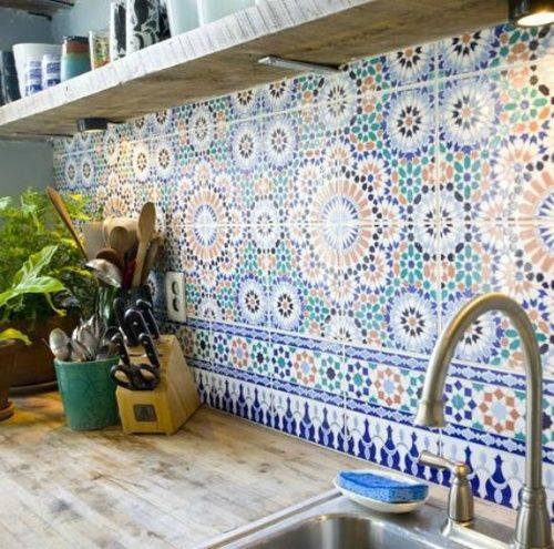 37-mosaic-tiles-for-a-bold-kitchen-backsplash