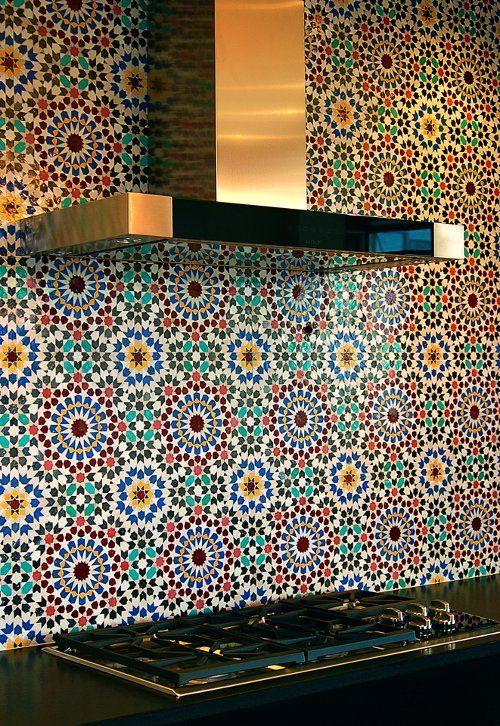 42-super-bold-backsplash-with-patterns