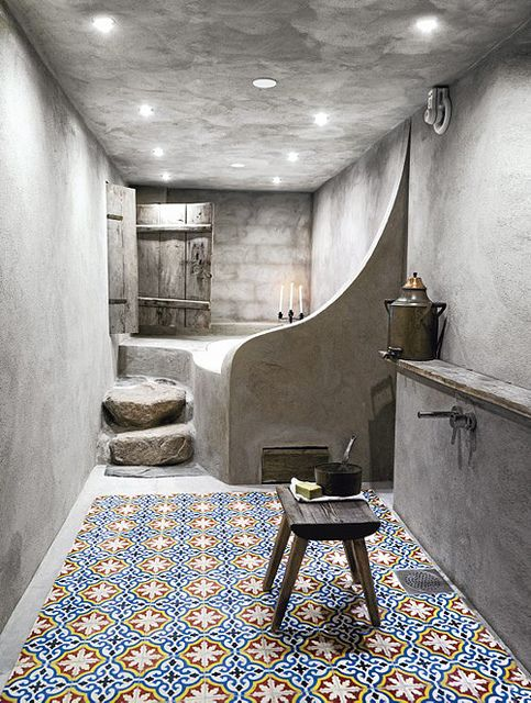 43-hammam-style-bathroom-with-tiles-on-the-floor