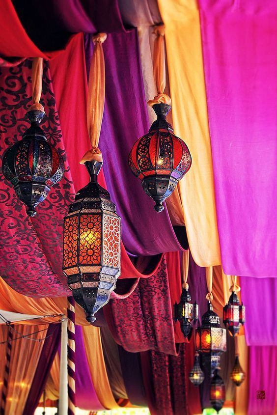 47-Moroccan-drapes-and-lanterns-hung-with-fabric