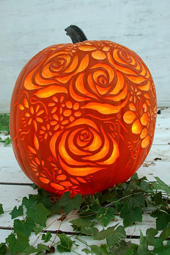 02-bouquet-of-flowers-carved-on-a-pumpkin-is-a-cool-romantic-piece