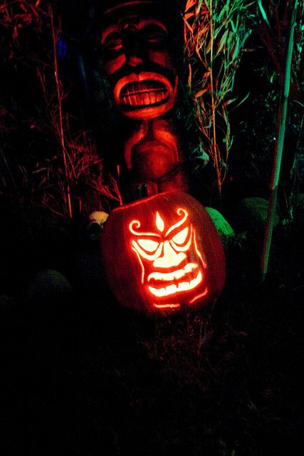 05-outdoor-scary-tiki-lantern