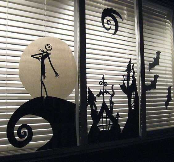 07-Jack-Skellington-scene-for-the-window-made-from-cardboard