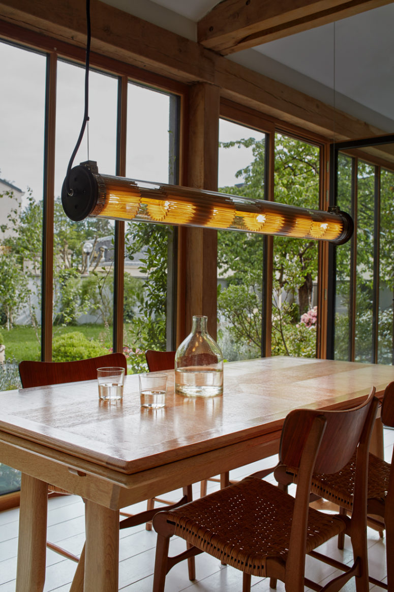 08-Hang-it-over-your-dining-table-to-accentuate-the-space-775x1163