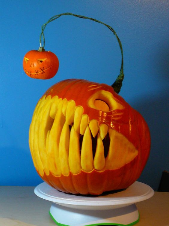 10-terrifying-pumpkin-with-large-teeth-reminding-of-scary-ocean-life